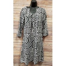 Erma's Closet Black and White Geometric Print Uneck Dress